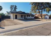 View 5621 W Eva St Glendale AZ